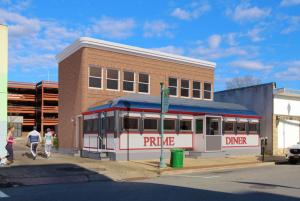 Center Diner Primed for Renovation, Expansion